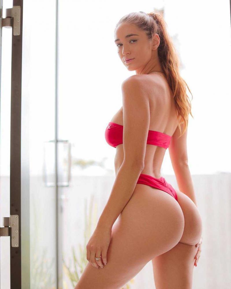Natalie Roush bikini ve iç çamaşırı çekimlerinde