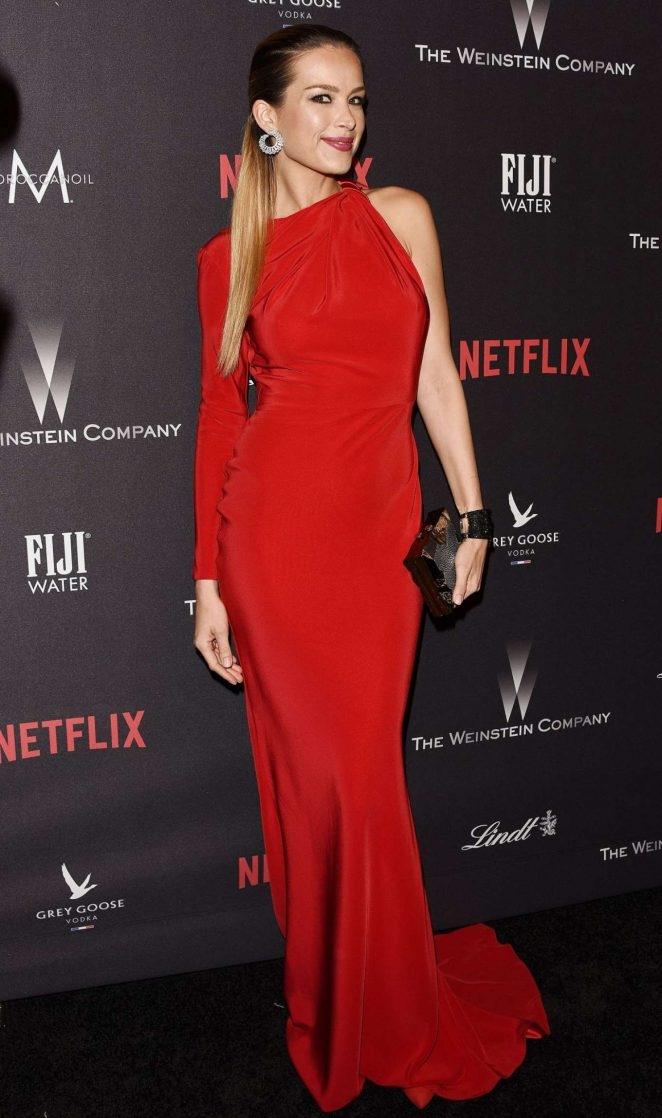 Petra Nemcova kırmızı elbiseyle