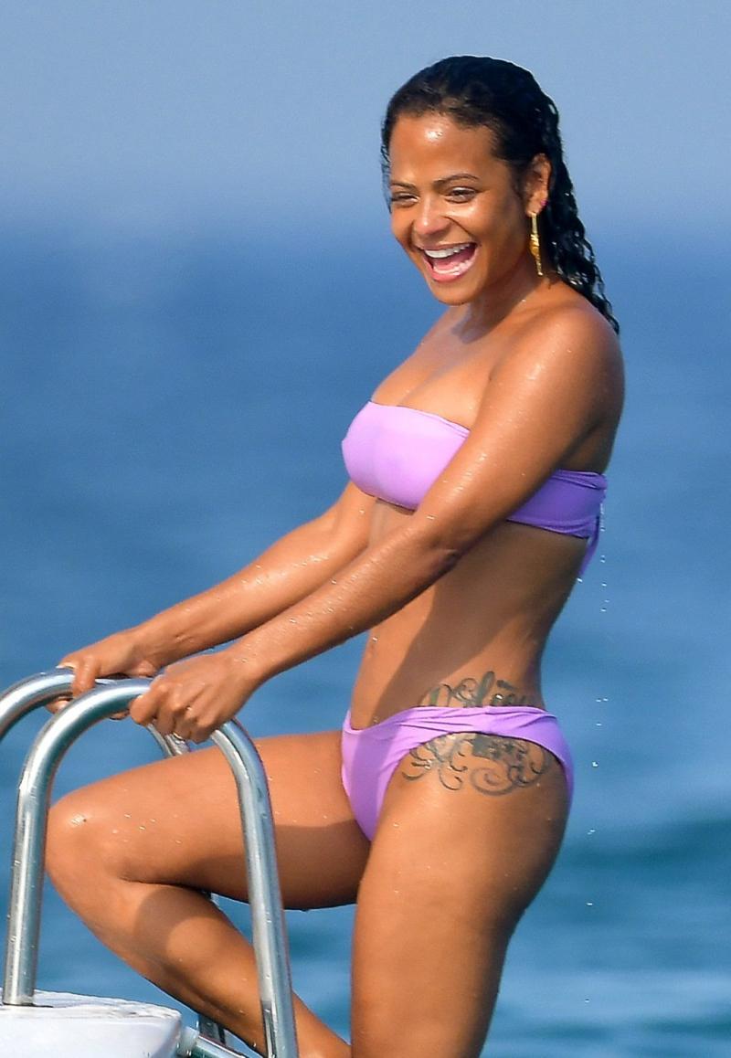 Christina Milian sevgilisiyle denizde