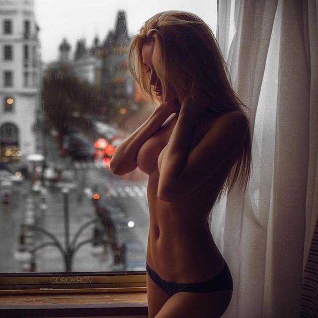 Голые фото в городе