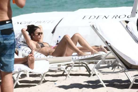 Breana Tiesi bikini ile Miami'de