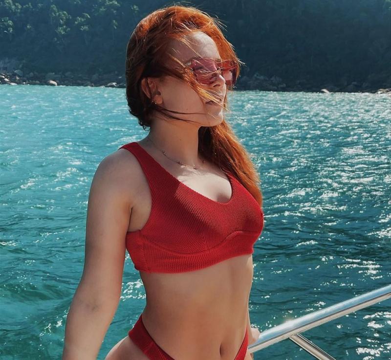 Larissa Manoela bikini ile fotoğraf çekimlerinde