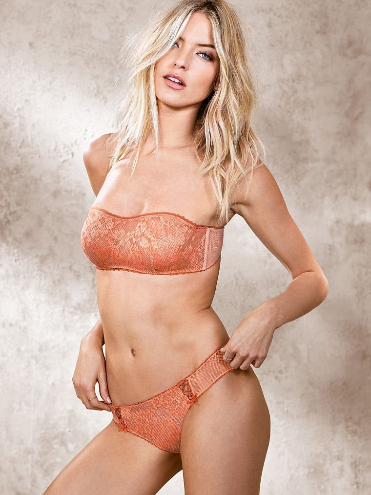Martha Hunt Victoria's Secret çekimlerinde