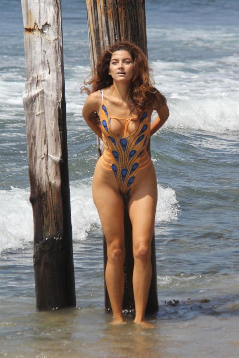 Blanca Blanco mayo- Malibu plajı