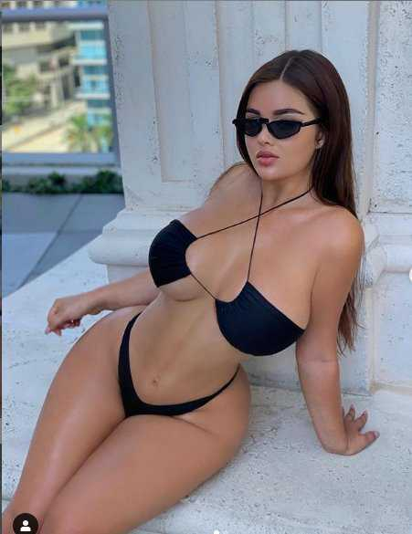 Anastasia Kvitko bikini ve iç çamaşırıyla