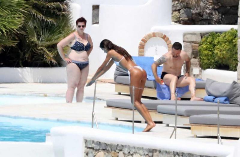 Izabel Goulart beyaz bikiniyle Mykonos tatilinde