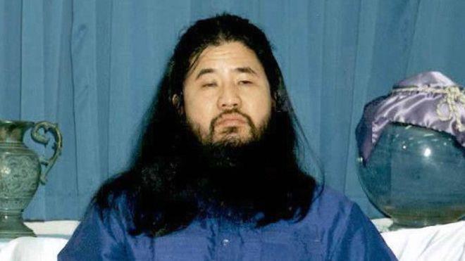 13 kişinin öldüğü sarin gazı saldırısını düzenleyen tarikat lideri idam edildi