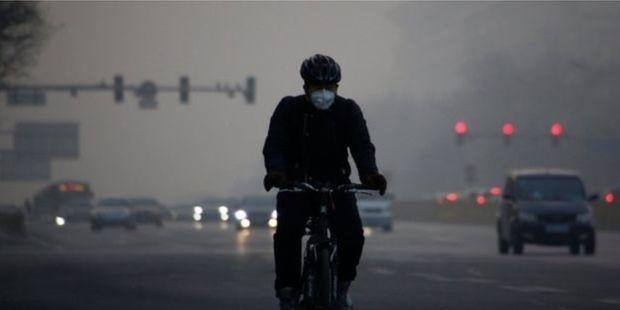 30 gün boyunca bisikletle yanlış yöne gitti
