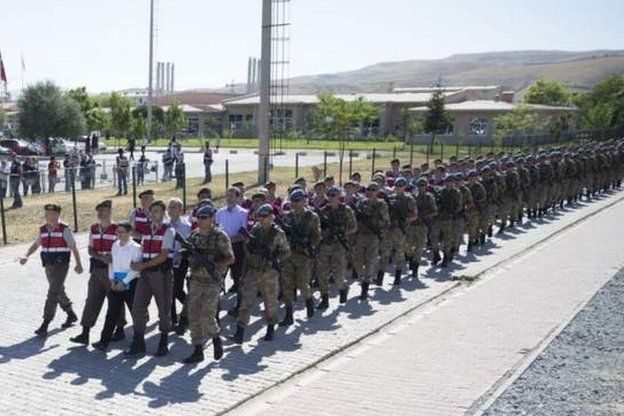 4 sivil ve 10'dan fazla eski askere 79'ar kez ağırlaştırılmış müebbet hapis cezası