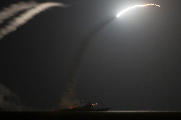 ABD Yemen'in 3 radar üssünü vurdu!