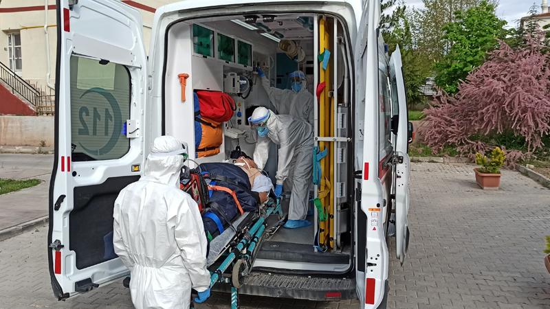Adana Tabip Odası: Hastanelerde boş sedye bulunamıyor, morgların önünde kuyruklar oluştu
