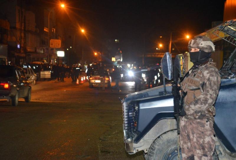 Adana'da 2 bin 372 polisle hava destekli operasyon