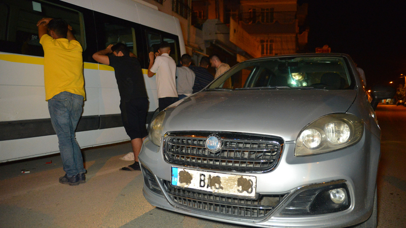 Adana'da çamurlu plakalı araçtaki yüzleri maskeli 5 kişi, gözaltına alındı