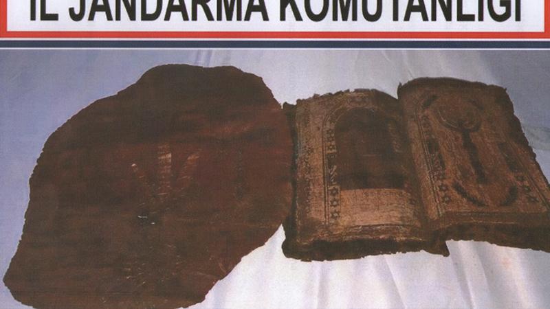 Afyonkarahisar'da 1300 yıllık Tevrat ele geçirildi