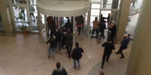 Akdeniz Üniversitesi'nde bıçaklı kavga: 2 yaralı