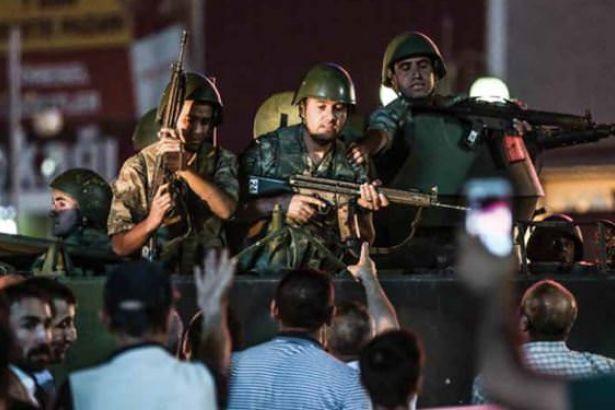 AKP'li yazar: Bu defa 03.00'te niyetleneceklerdir, şehir mitingleri gece yapılsın