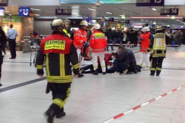 Almanya'da tren istasyonunda baltalı saldırı!