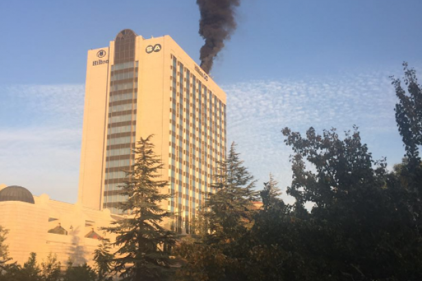 Ankara'da Hilton oteli yanıyor!