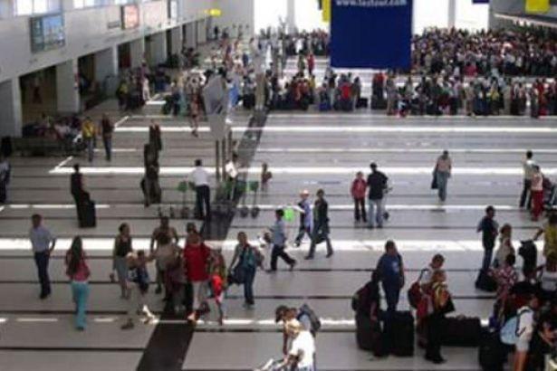 Antalya Havalimanı'nda 'FETÖ bağlantısı' sebebiyle 300 kişi işten çıkartıldı