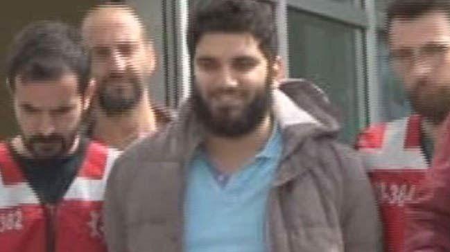 Ataşehir'de kadına saldıran Hakan Dündar emniyet'ten sırıtarak çıktı!