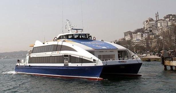 Avşa Adası'nda duramayan feribot iskeleye çarptı: 7 yaralı
