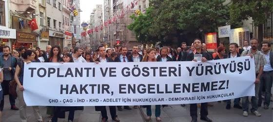 AYM:Basın açıklamasına katılanlara para cezası kesilmesi toplantı ve gösteri yürüyüşleri hakkının ihlal eder