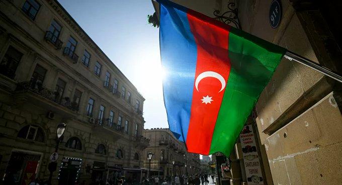 Azerbaycan: Ordumuz dün gece Karabağ'ın üç bölgesinde yeni mevkilerde mevzilendi