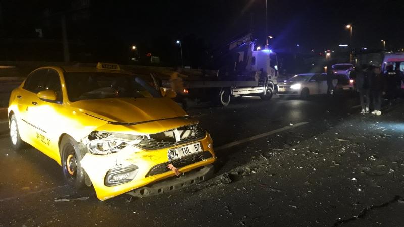 Bakırköy'de zincirleme trafik kazası: 5 yaralı