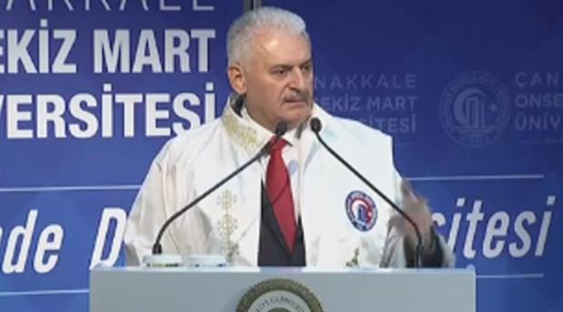 Başbakan Yıldırım: Diploması olmayan adamın etrafında profesörler fırıl fırıl dönüyor