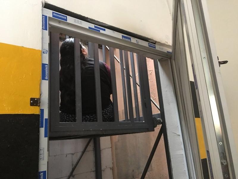 Beyoğlu'nda asansör 2. kattan yere çakıldı