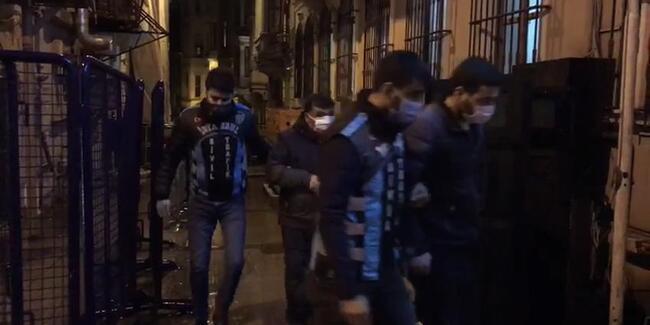 Beyoğlu'nda değnekçiler gözaltına alındı