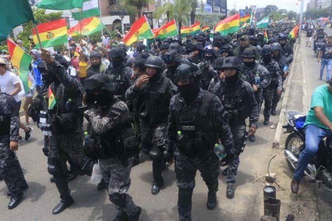 Bolivya Devlet Başkanı Morales, darbeye karşı halkı sokağa çağırdı