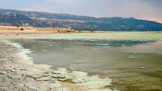 Burdur Gölü'nün 3 günde rengi değişti, yetkililerden açıklama geldi