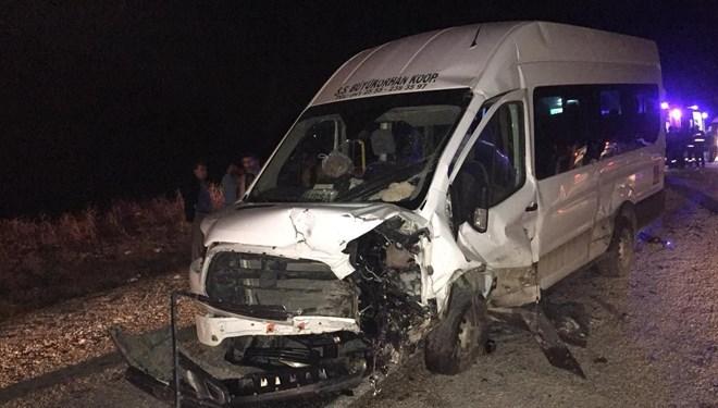 Bursa'da zincirleme trafik kazası: 2 ölü, 24 yaralı