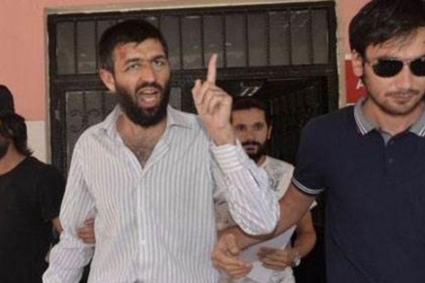 Camide 'üzerimde bomba var' diye bağıran şahıs tahliye edildi