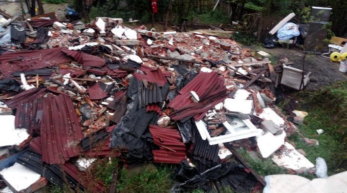 Çekmeköy Belediyesi evlerini yıktığı mahallelinin çadırlarını kaldırdı