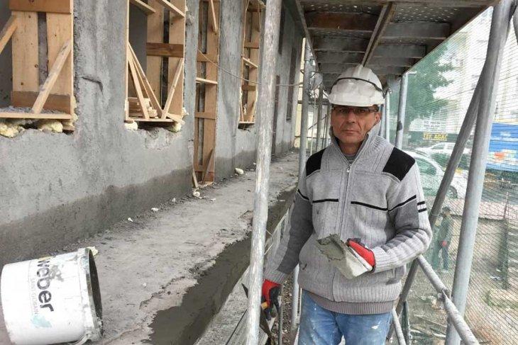 Çektiği fotoğrafları çalıştığı inşaatta sergileyecek