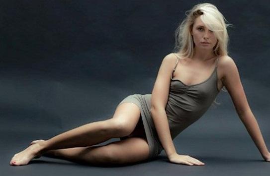 Chloe Loughnan: En beğendiğim oyuncu Kıvanç Tatlıses, pardon karıştırdım....