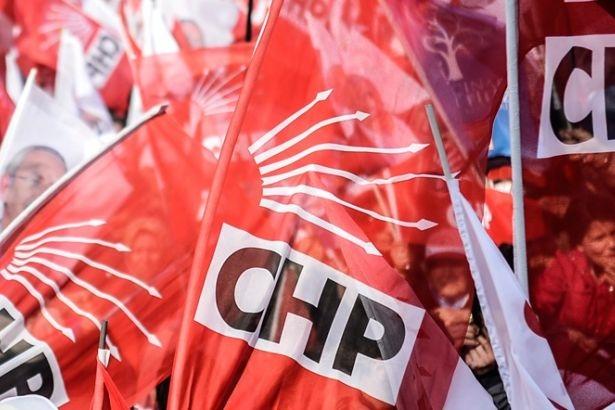 CHP Ankara il binasına kimliği belirsiz kişiler girdi