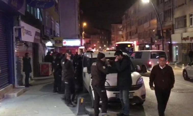 CHP ilçe binasına saldırı: Yaralılar var