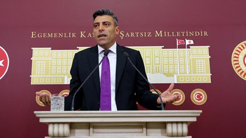 CHP'den ihraç edilen Öztürk Yılmaz, yeni parti kuracağını açıkladı