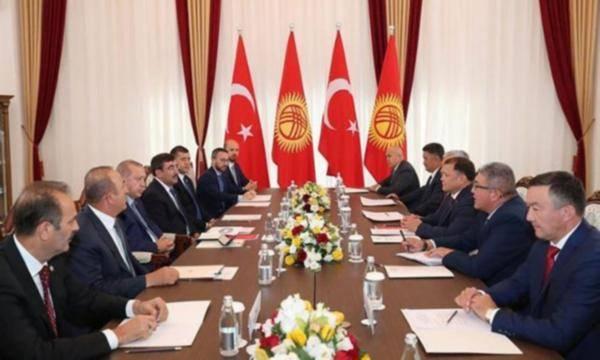 CHP'li Erdoğdu: Bilal Erdoğan hangi sıfatla masada oturuyor?