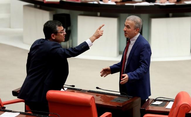 CHP'li Özel'den AKP'li Elitaş'a: Başıma bir şey gelirse ondan sorulsun