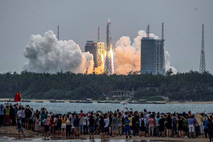 Çin'in uzaya yolladığı roketin parçaları kontrolsüz biçimde Dünya'ya düşebilir