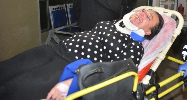 Darp edilen kadın petrol istasyonuna sığındı
