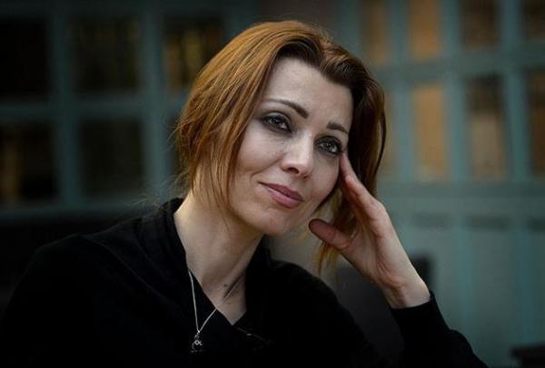 Elif Şafak: Biseksüel olduğumu söyleme cesareti gösteremedim!