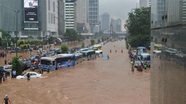 Endonezya'da 104 kişi öldü, 206 kişi kayıp