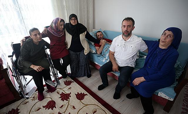 Engelli 5 çocuğuna bakıyor: 'Ne olur benim evlatlarıma bir tedavi uygulasınlar'