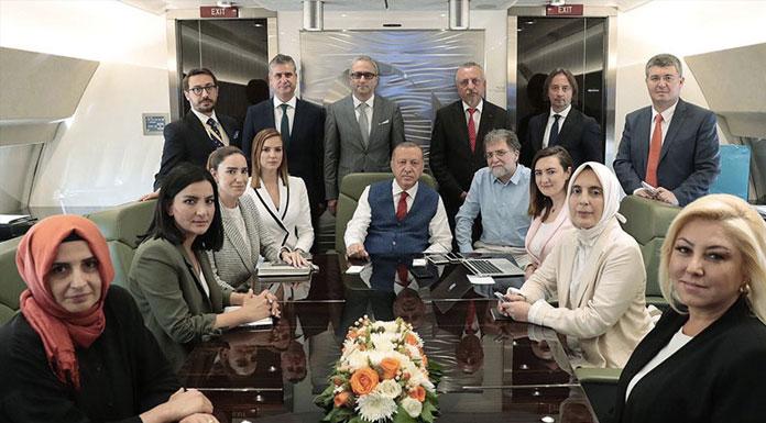 'Erdoğan'ın uçağına asla ve kat'a binmeyeceğim' diyen Ahmet Hakan, Tayyip Erdoğan'ın uçağına bindi