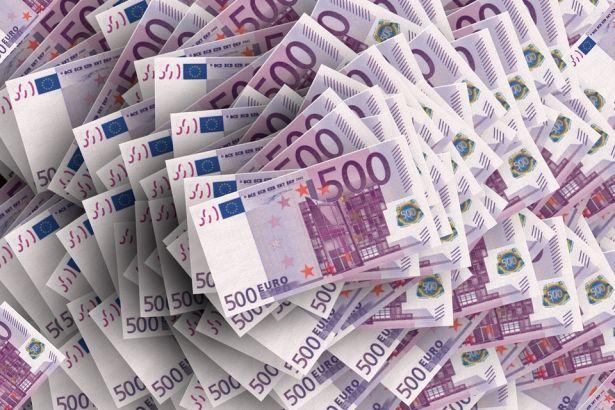 Euro 4 liraya yaklaştı!